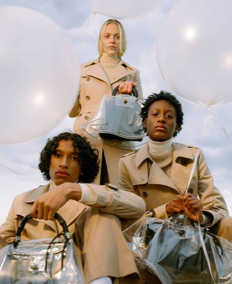 New accessory brand Bird develops a raincoat for the bag: 'The first design was made of groundsheet and yellow wool'
