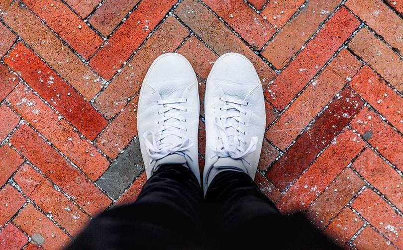 White sneakers wholesale marketplace