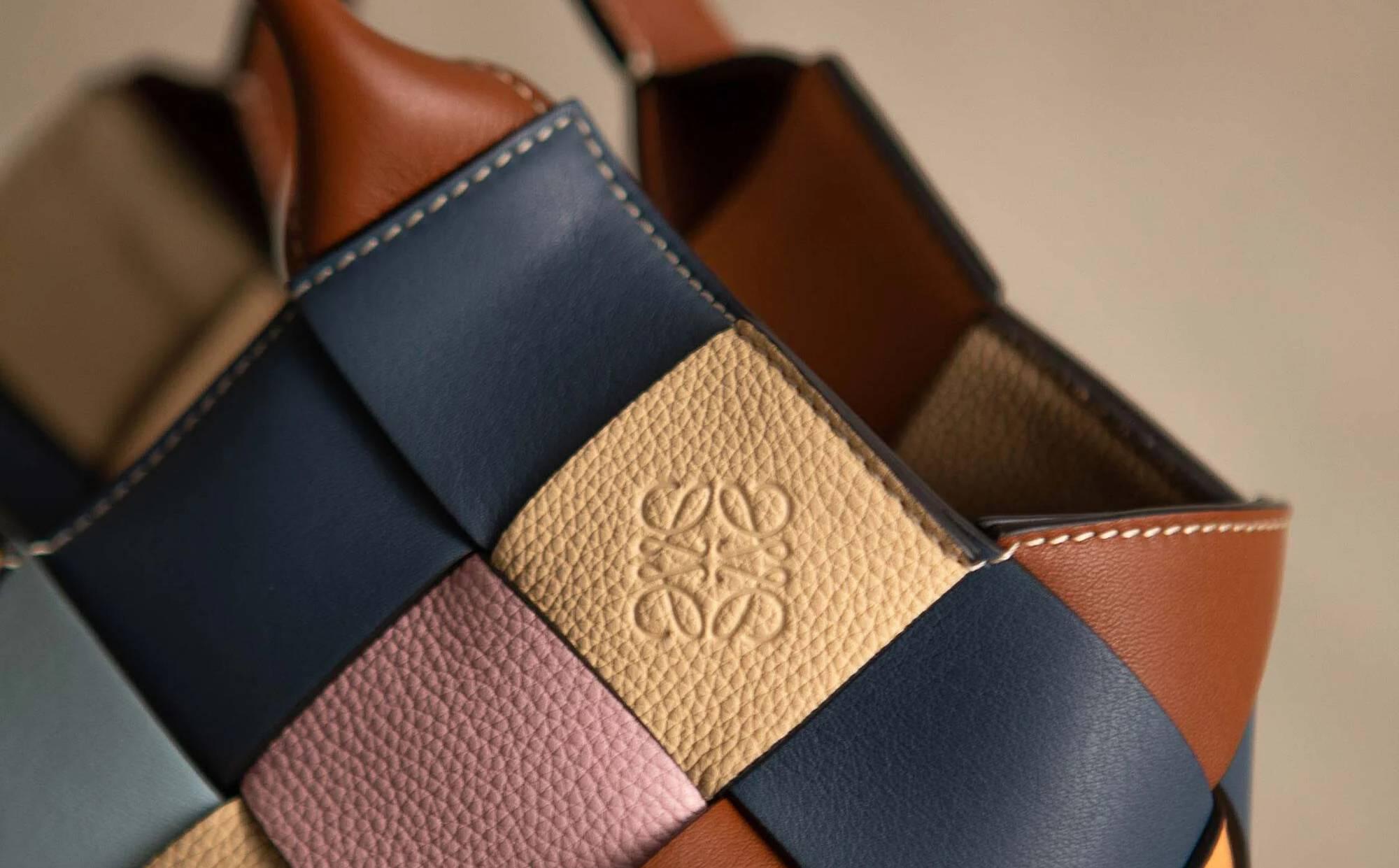 Loewe stellt erste Tasche aus Lederresten vor