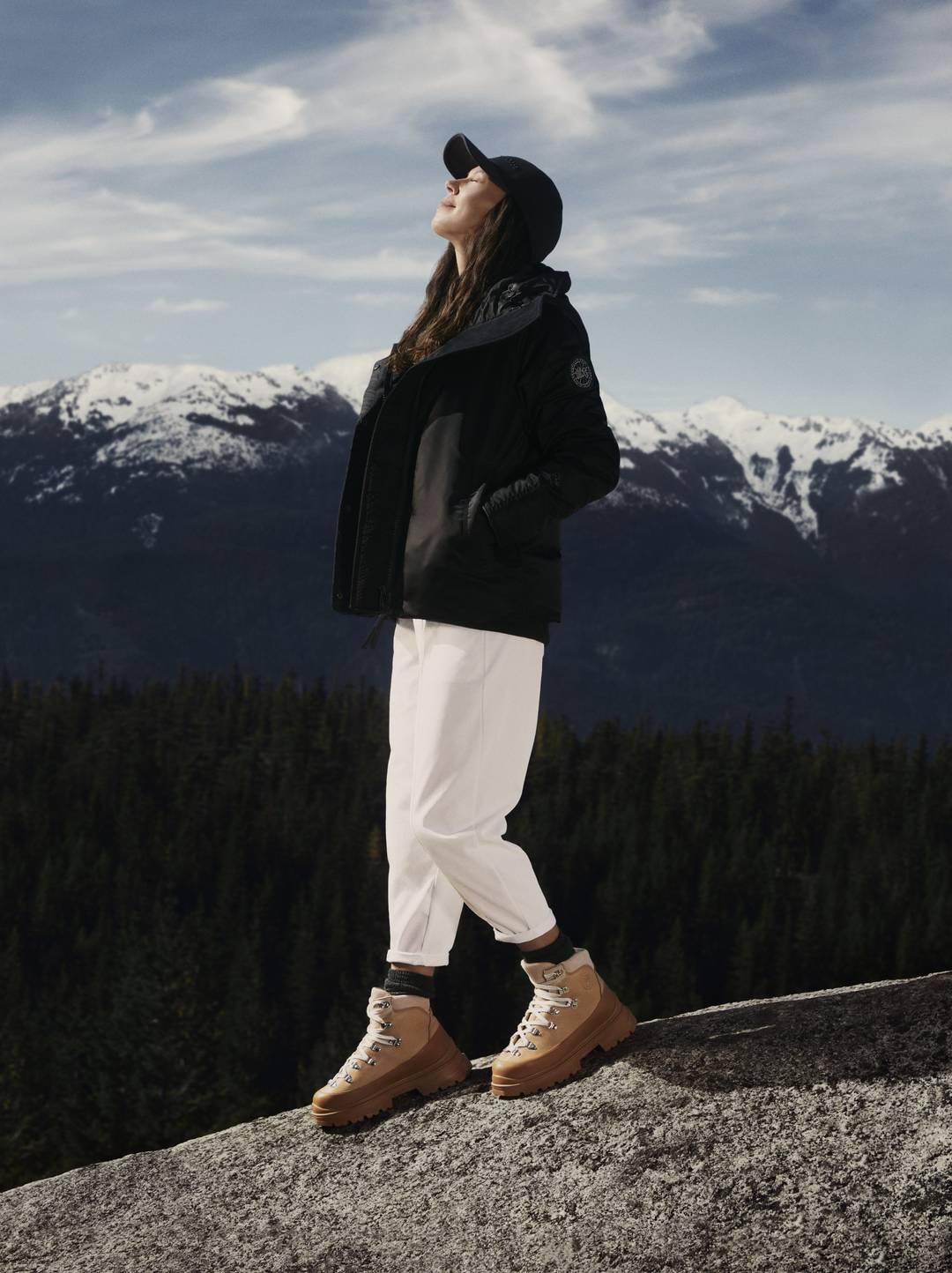 Image: Canada Goose, Sarain Fox