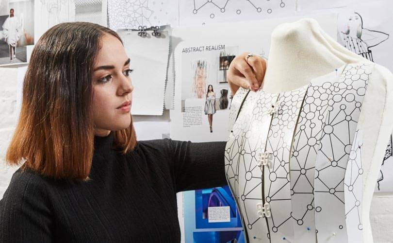 Samsung invites promising graduate Aurélie Fontan to design collection using just a smartphone