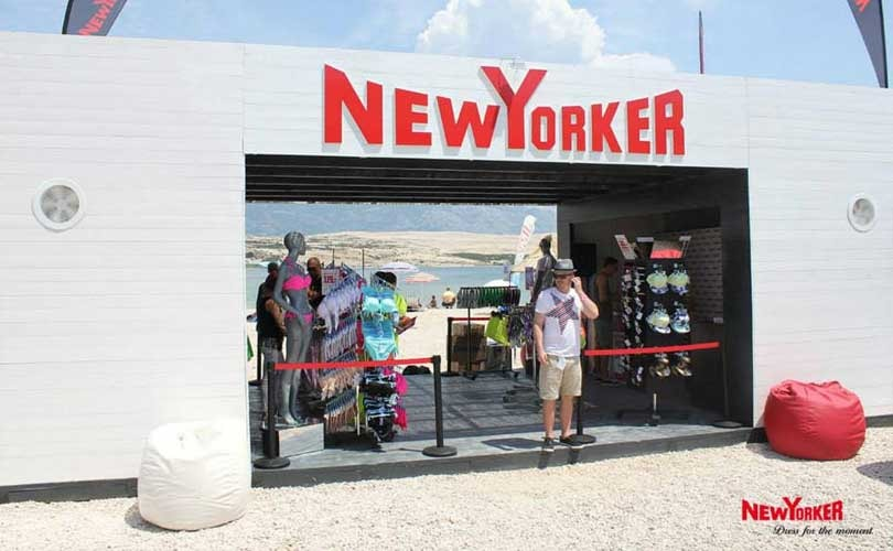New Yorker  fashion giant with secrets 298f210f9097