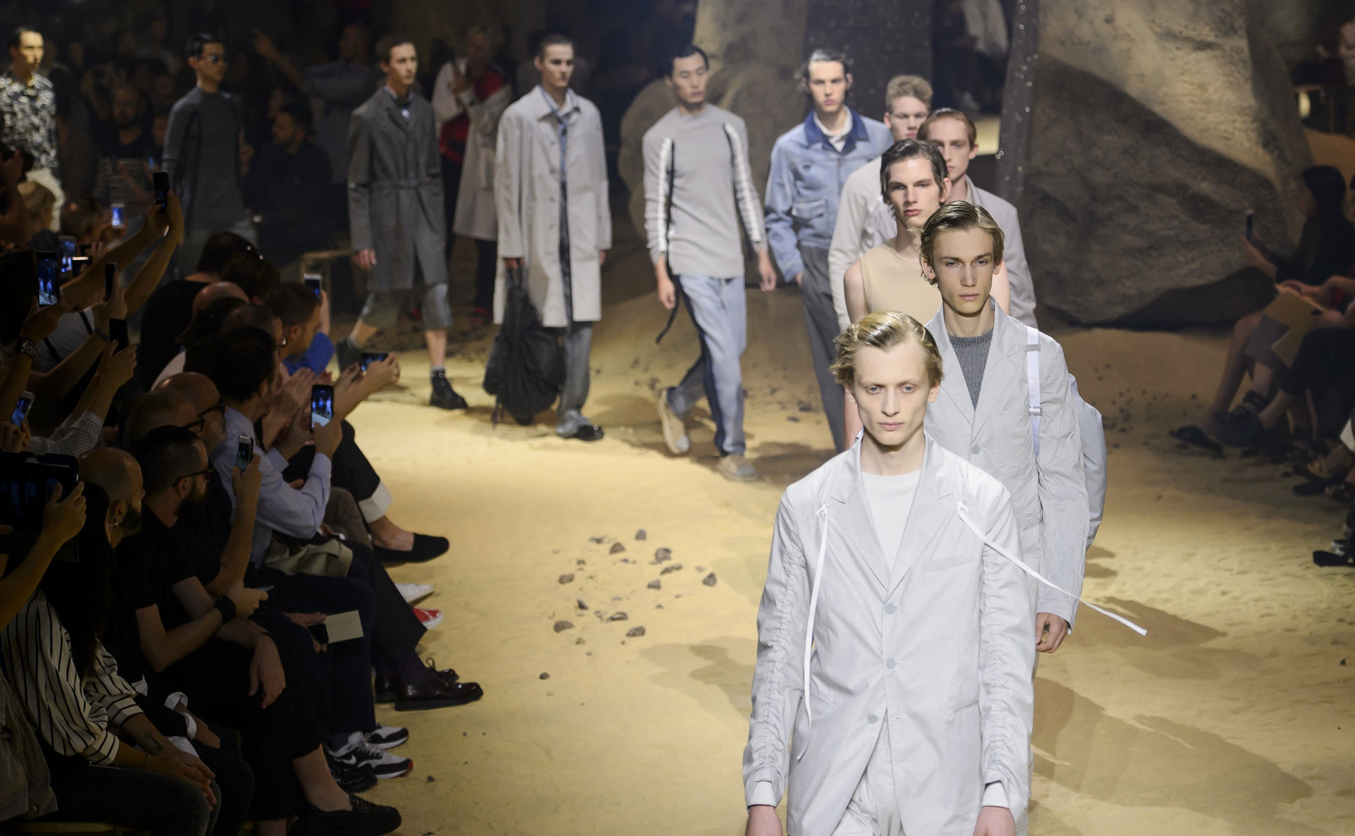 dd97f1c9b70500 Key Catwalk Trends from the Spring Summer 2016 Menswear Shows