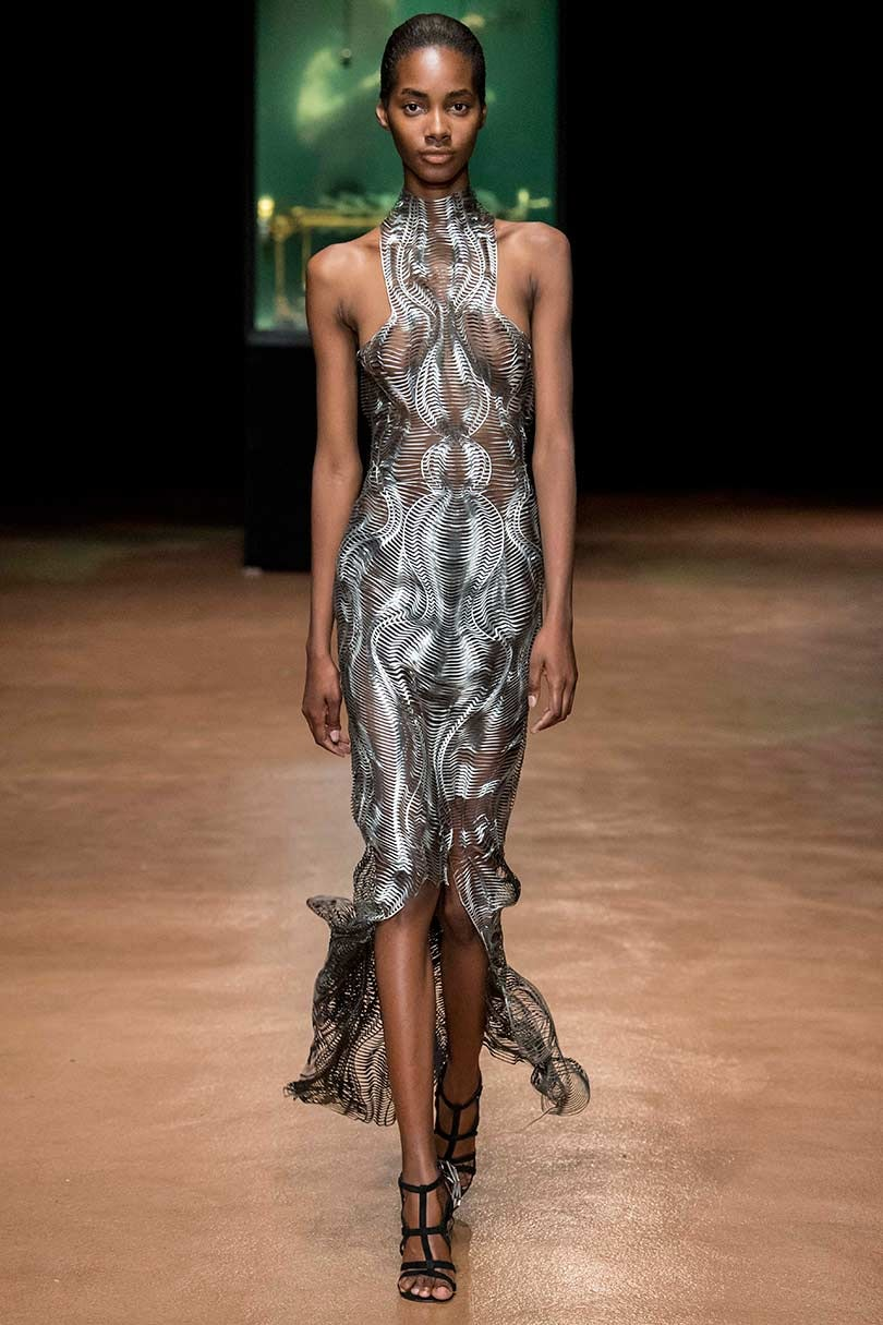 Look Iris Van Herpen The Profound Couturist Shows Her