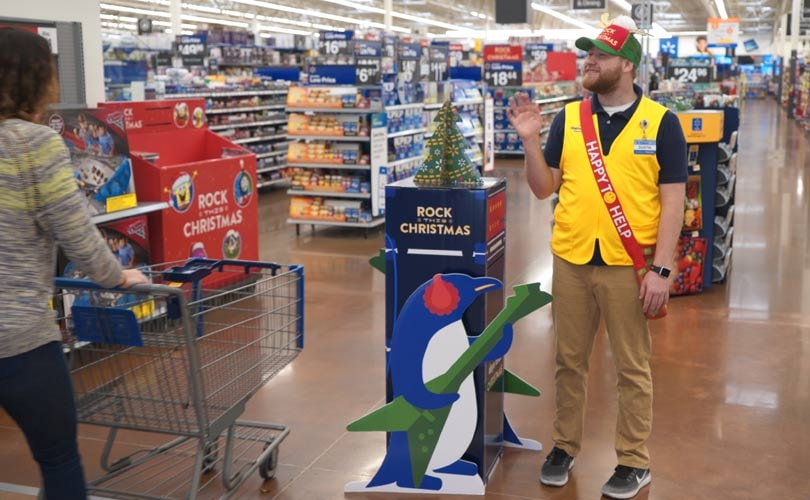 walmart us posts strongest q2 comp sales growth in a decade sales up 38 percent