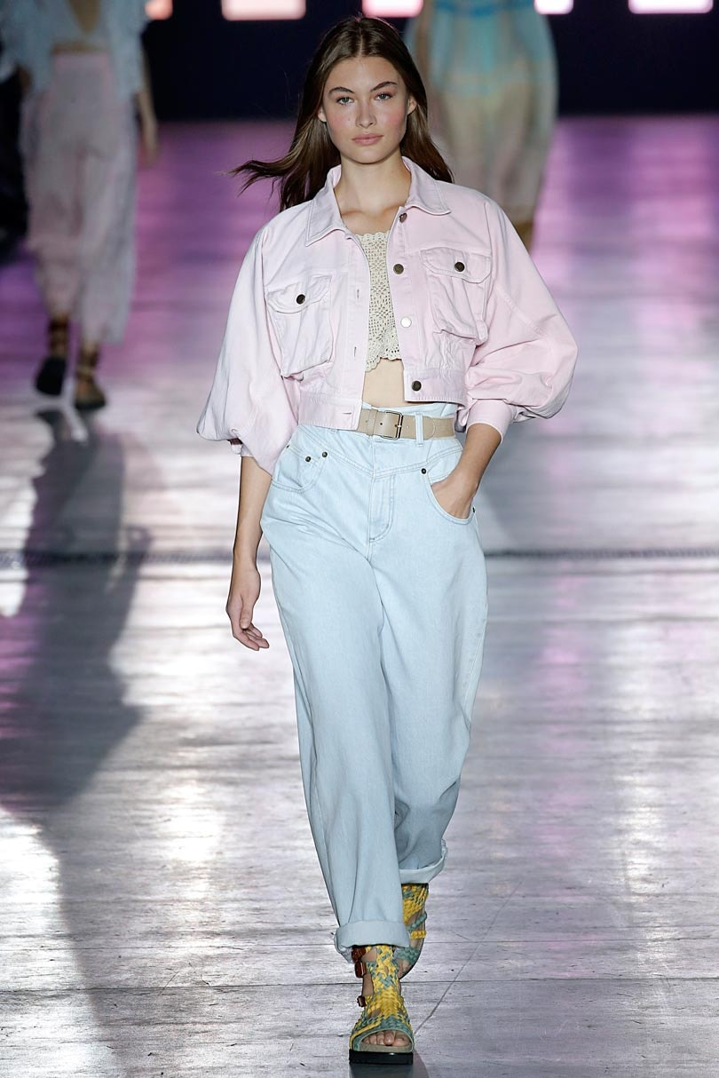 pretty nice 81c11 4101b MFW: Alberta Ferretti embraces youth