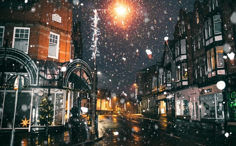 Bad weather takes toll on high street in Christmas build-up