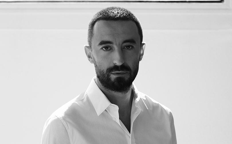https://fashionunited.uk/news/people/tod-s-appoints-walter-chiapponi-as-new-creative-director/2019101745788