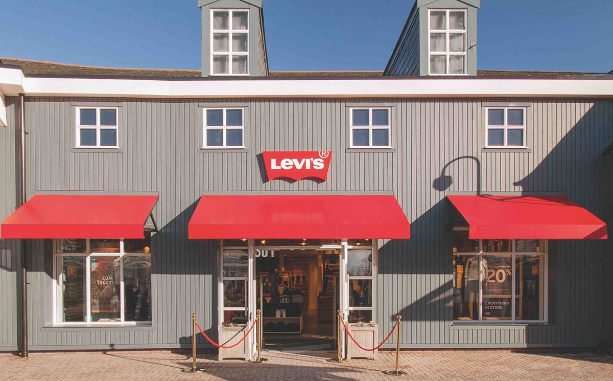Levi's and Gap open stores at Caledonia Park in Scotland