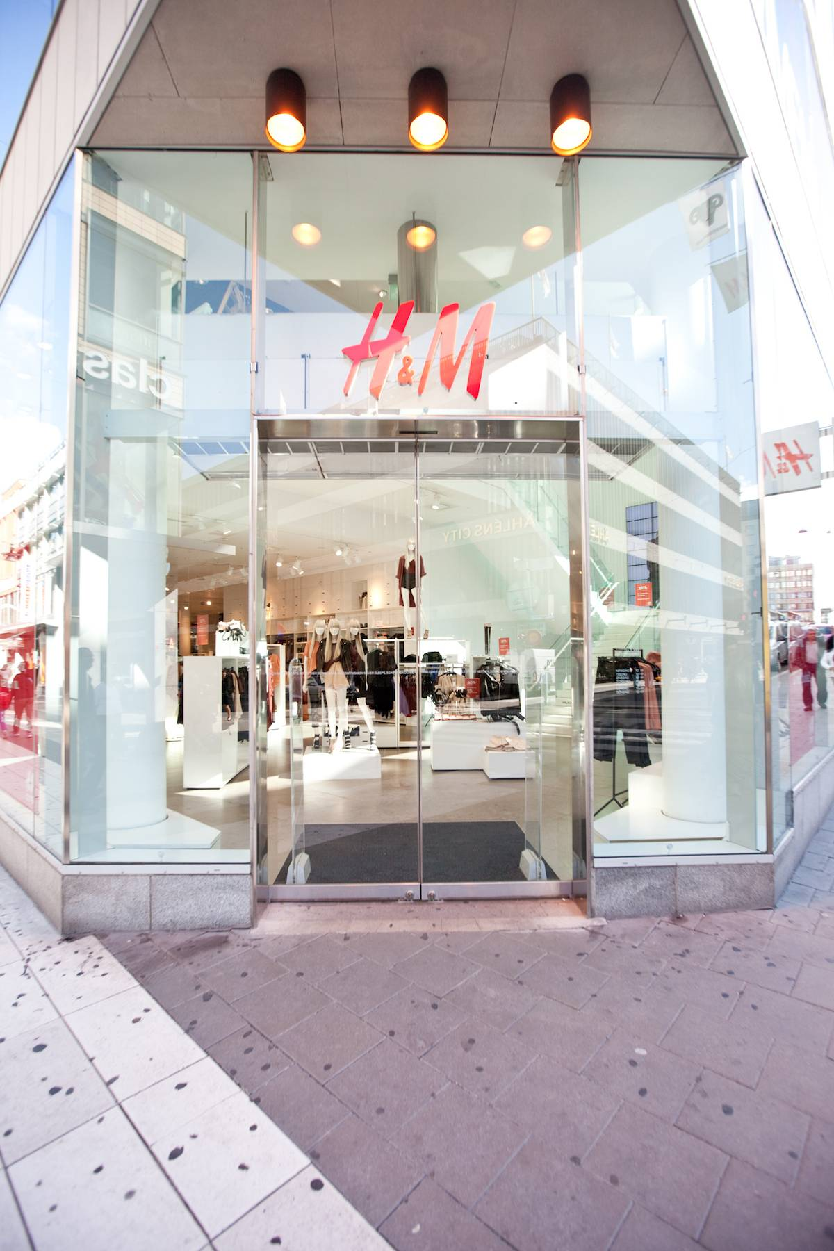 All H&M stores in the US and Germany shut shop